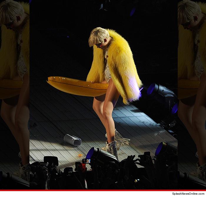 Miley Cyrus Banana