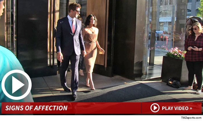 Aaron Rodgers and Olivia Munn Date