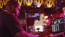 Shaq -- DJ DIESEL ROCKS VEGAS ... Shaq Crushes 1st Club Gig