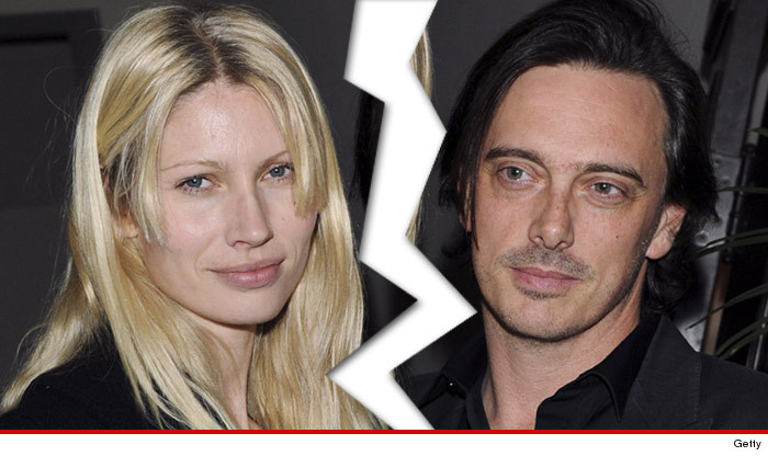 Gwyneth Paltrow Kisser -- Officially Dumped by Wife ... Model Kirsty Hume Files for Divorce