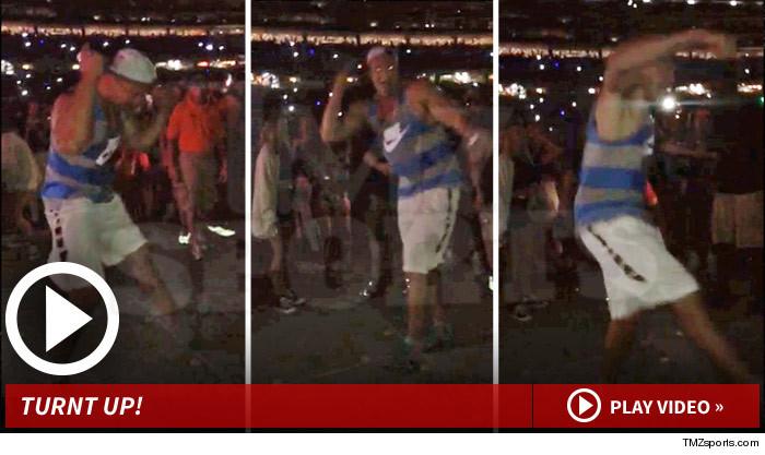Rob Gronkowski Dancing