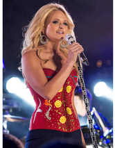 Miranda Lambert Rocks Long Extensions & Flaunts Tiny Waist