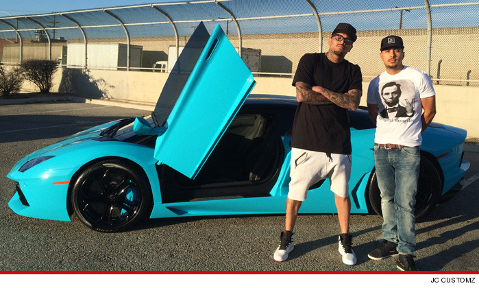 0712-chris-brown-blue-lambo-JCCUSTOMS-01