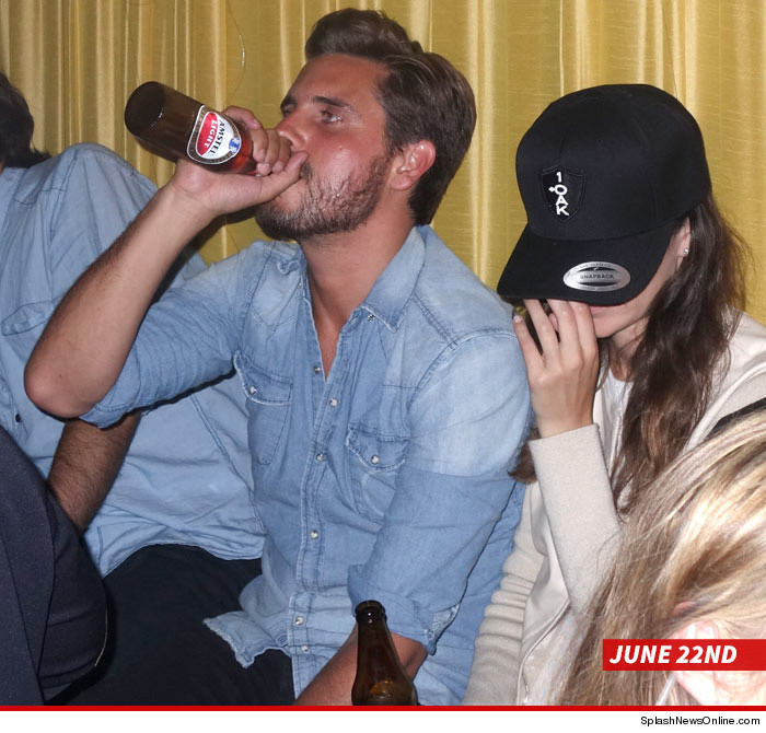 0717-scott-disick-hemptons-splash-03