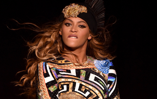 """Beyonce Teases """"Fifty Shades of Grey"""" Trailer with """"Crazy in Love"""" Cover"""