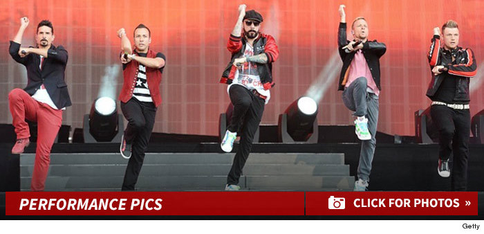 backstreet_boys_performance_footer