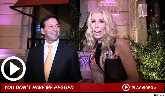 Aviva Drescher Throws Leg