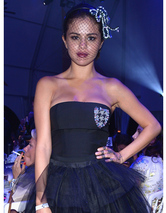 Selena Gomez Goes Glam at Leonardo DiCa