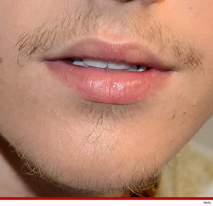 0728_justin_bieber_facial_hair_launch
