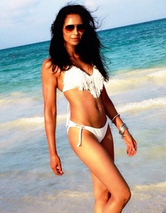 Padma Lakshmi Flaunts Amazing Beach Bod in Mexico