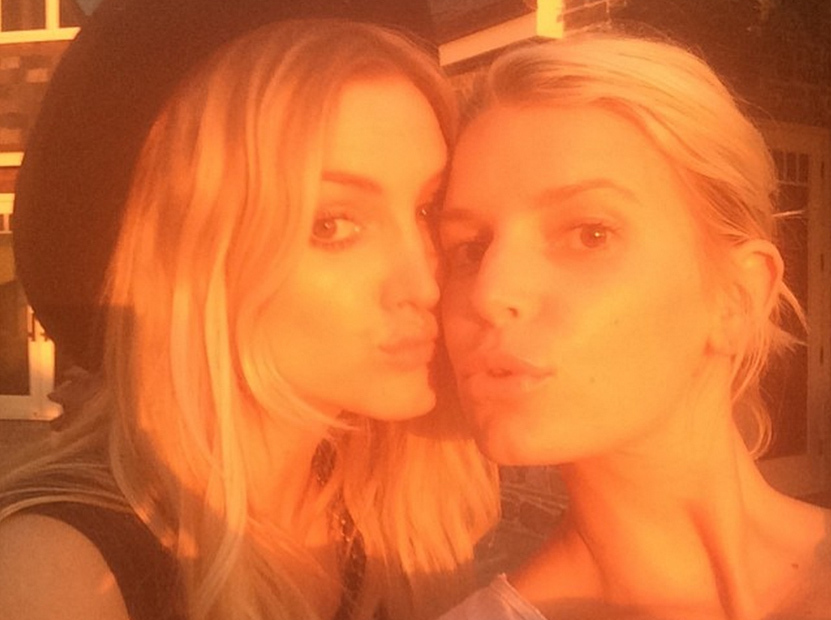 Jessica Simpson went makeup-free on Instagram and looks ...
