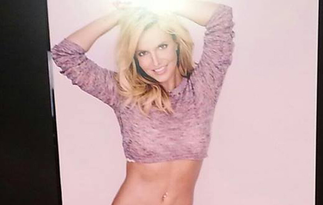 Britney Spears Flaunts Rock-Hard Tummy in Crop Top & Bikini Bottoms