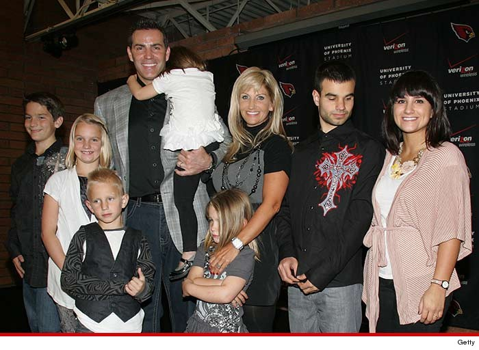 0808-kurt-warner-family-getty-01