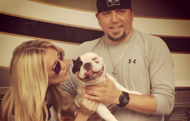 "Jason Aldean Posts Sweet Picture With Brittany Kerr, Says He's ""Sick of People Judging"""