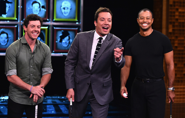 "Tiger Woods Caddies as Jimmy Fallon and Rory Mcllroy Play ""Facebreakers"""