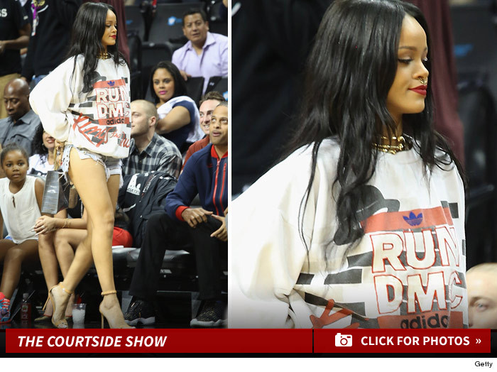 0822-rihanna-at-game-sub-footer
