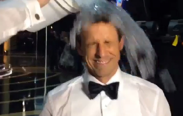 Seth Meyers Accepts ALS Ice Bucket Challenge on the Emmy Stage