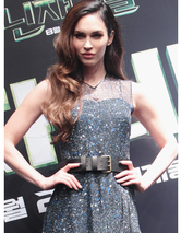 "Megan Fox Stuns At ""Teenage Mutant Ninja Turtles"" Press Conference in South Korea"