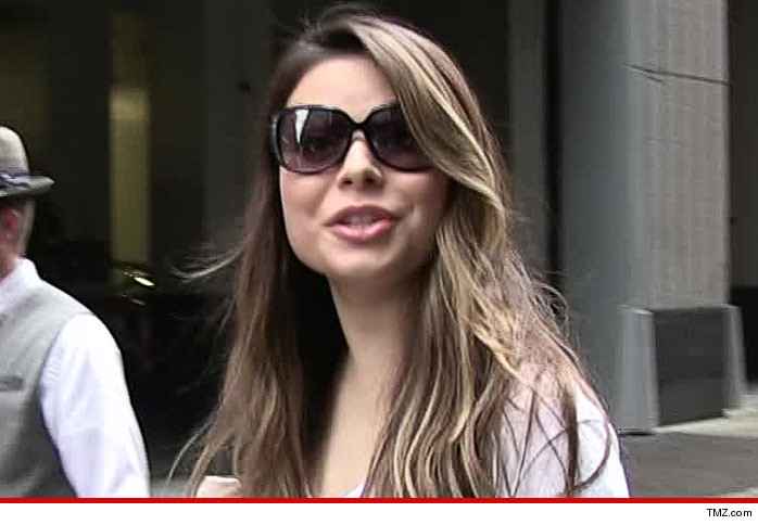 Miranda Cosgrove Tour Bus Accident
