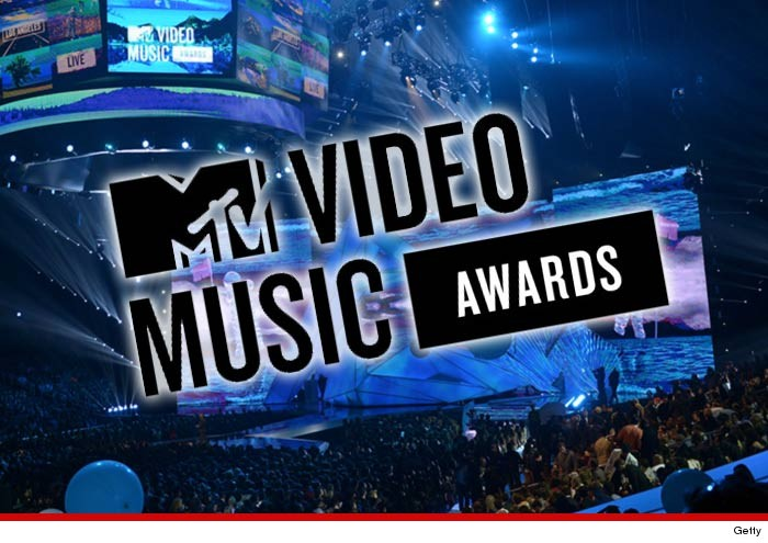 0904-mtv-vmas-stage-and-logo-getty-01