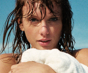Taylor Swift Talks Hookups & BIG Celebrity Feud In Rolling Stone