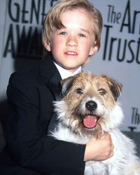 Haley Joel Osment Unrecognizable on Film Set -- See Him Now!