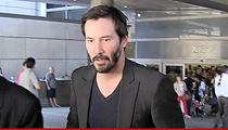 'Keanu Reeves -- Super-Coolly Subdues Home Intruder' from the web at 'http://ll-media.tmz.com/2014/09/18/0917-keanu-reeves-tmz-01-210x120.jpg'