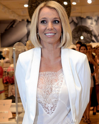 Britney Spears Debuts Short New 'Do -- Like The Look?