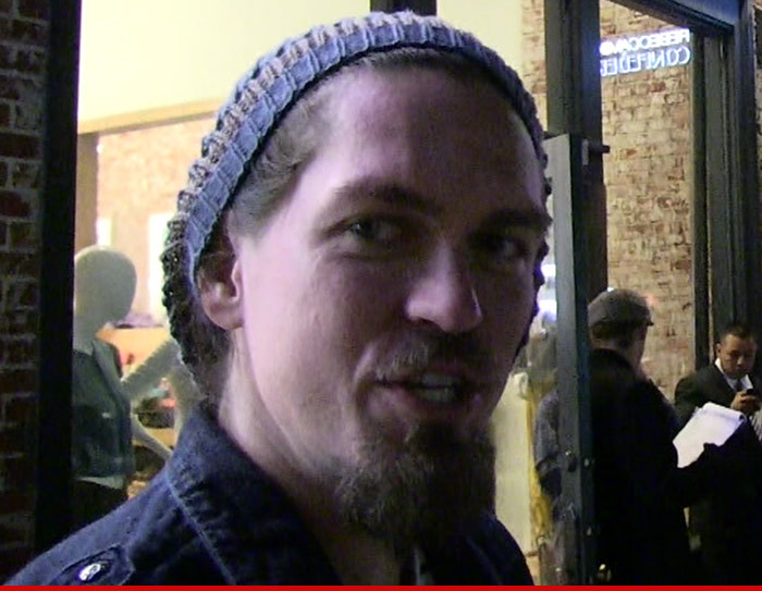 steve howey weight and height