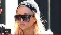 Amanda Bynes -- Allegedly Claws Fan in Nightclub ... Then Haunts Bloomies