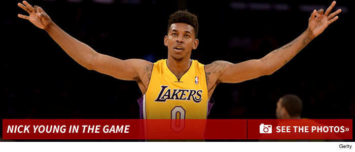 1007_nick_young_lakers_game_basketball_photos_footer