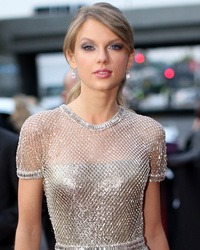 Taylor Swift Says She's Happy Being Single: It's Been Liberating!