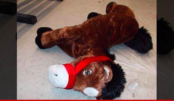 1016-toy-horse-01