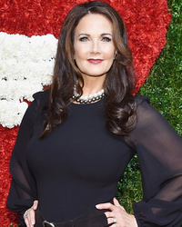Lynda Carter, 68, Steals th