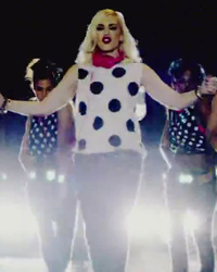 "Gwen Stefani Debuts New Solo Music Video for ""Baby Don't Lie"""