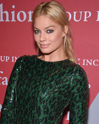 Margot Robbie Goes Back to Blonde -- Like the L