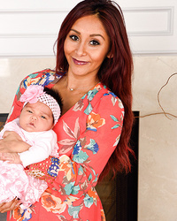 Snooki Posts First Photo of Daughter Giovanna Marie