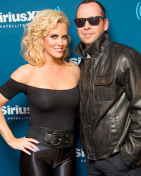 "Jenny McCarthy & Donnie Wahlberg Do Cute ""Grease"" Couple's Costume"