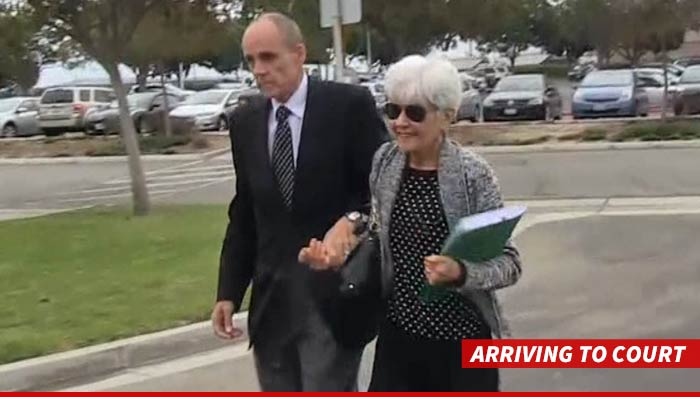 1031-bynes-parents-court-tmz-01
