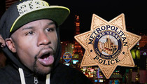 Floyd Mayweather -- Cops Warning Vegas Strip Clubs ... DON'T LET HIM IN!