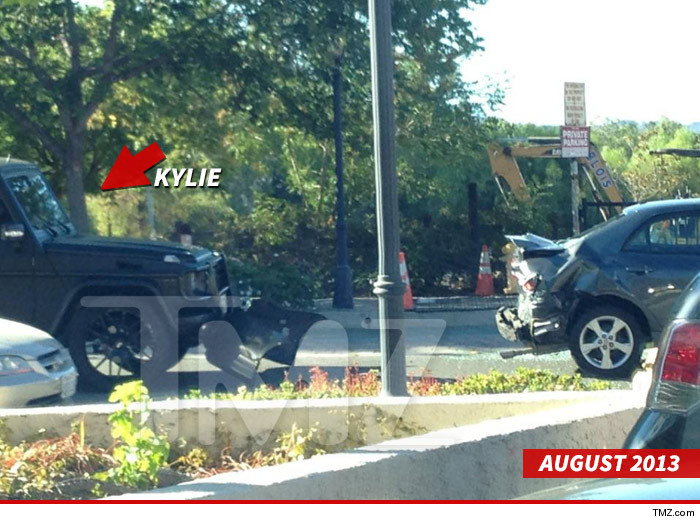 1105_kylie_jenner_accident_august_tmz_wm_DATE