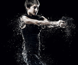 "Shailene Woodley Goes Total Action Star In ""Divergent: Insurgent"" Trailer"
