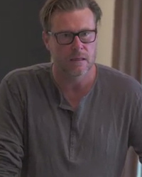 Watch Dean McDermott Confront Tori Spelling Over Making Him Look Bad
