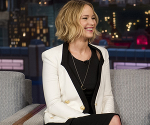 Jennifer Lawrence Sings Duet With David Letterman ... And She's Horrible!