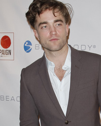 Robert Pattinson Shows Off Bizarre Buzzed New 'Do!