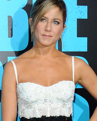 "Jennifer Aniston Dazzles at ""Horrible Bosses 2"" Premiere in Los Angeles"