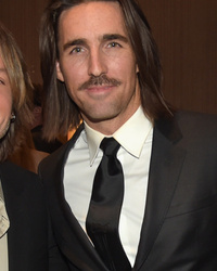 Country Stud Jake Owen Chops Off His Long Locks, Looks SO Different!
