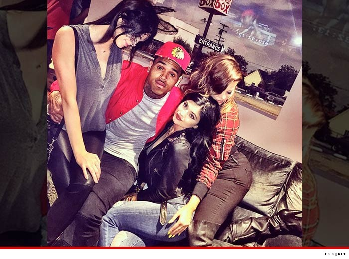 1206-chris-brown-kardashians-INSTAGRAM-01