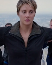 "Shailene Woodley Fights For Her Life in New ""Divergent: Insurgent"" Trailer"