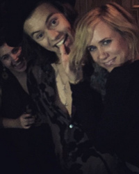 """Video: Harry Styles and Kristen Wiig Caught Dirty Dancing at """"SNL"""" Afterparty"""